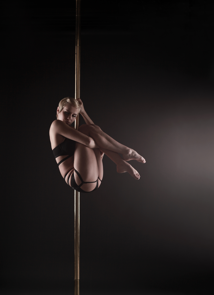 POLEDANCE PASSION Shooting - Roxi Ziemann (Souldance) - LATE NIGHT TALES Christina Bulka Fotograf