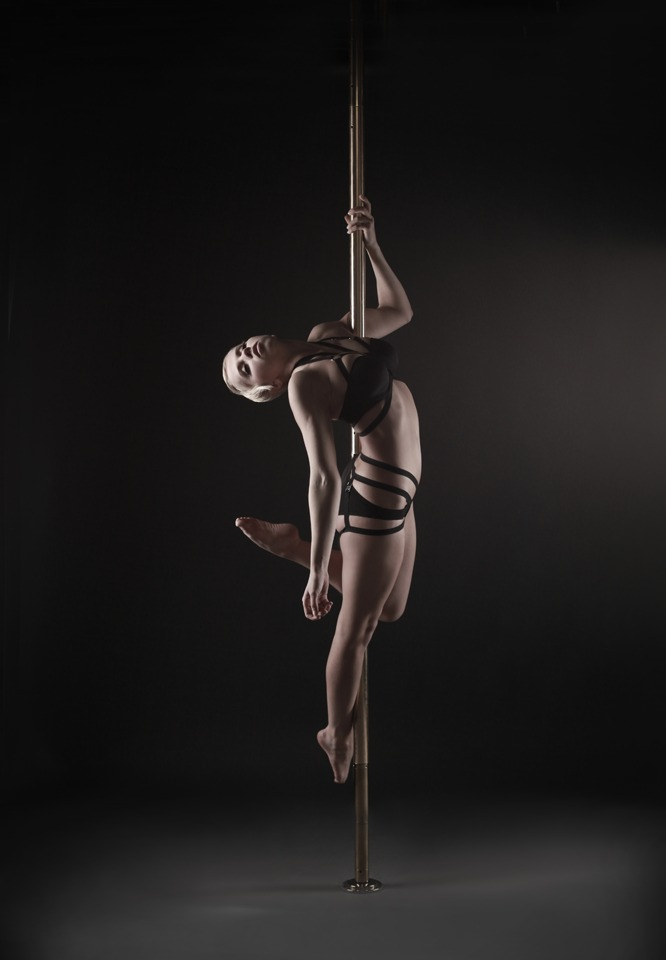 POLEDANCE PASSION Shooting - Roxi Ziemann (Souldance) - LATE NIGHT TALES Christina Bulka Fotograf