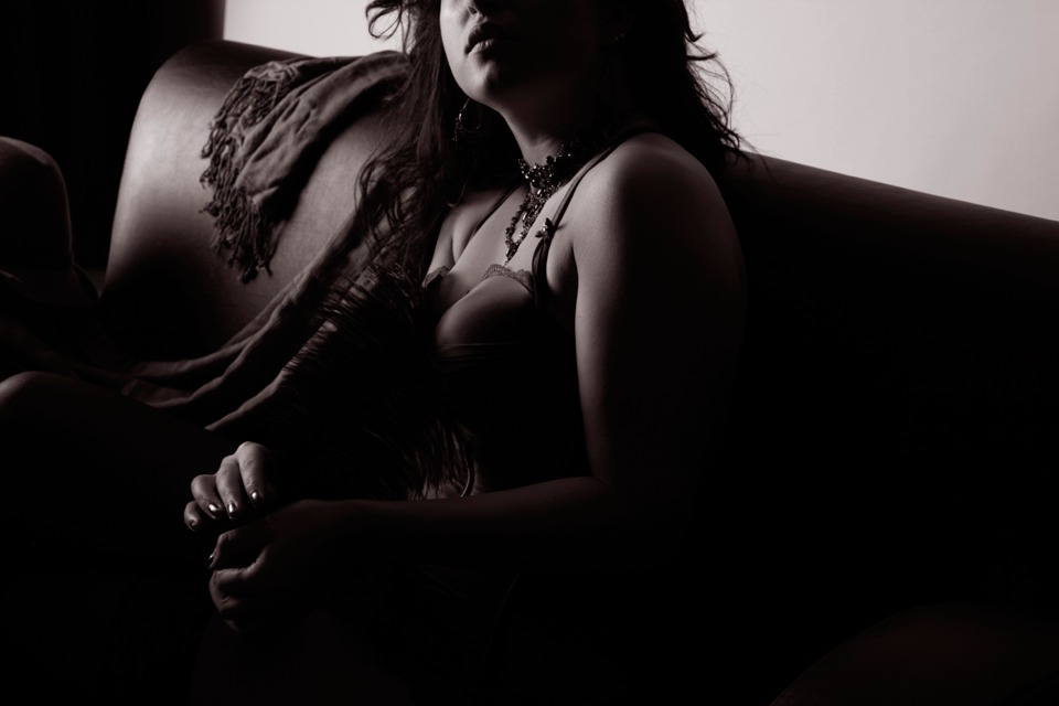 AKT TEILAKT EROTIK DESSOUS Shooting - LATE NIGHT TALES Christina Bulka Fotograf