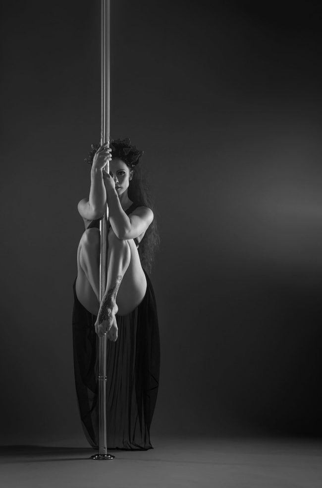 POLEDANCE Shooting - Jenyne Butterfly Fotoshooting - LATE NIGHT TALES Christina Bulka Fotograf