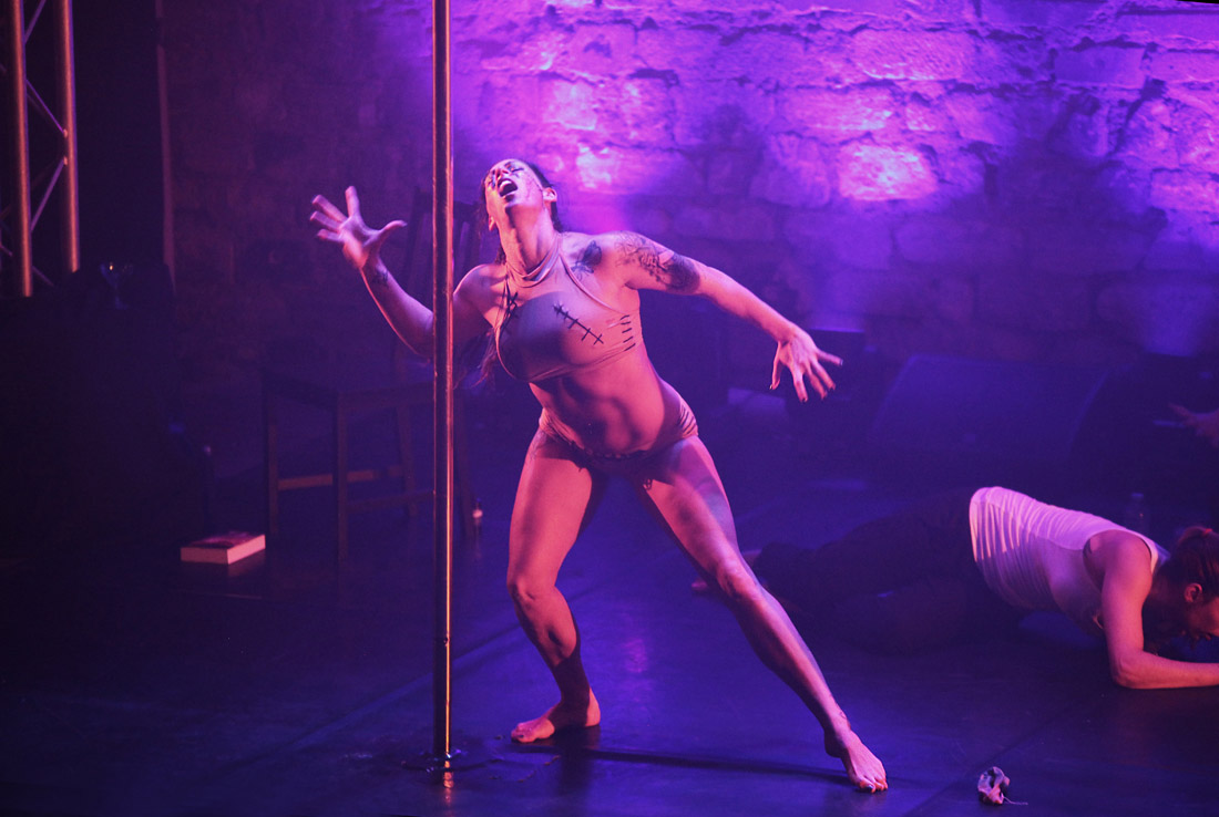POLE THEATRE Paris 2017 - Amaryllis Koukoulerou - Fotoshooting - LATE NIGHT TALES Photography Christina Bulka Fotograf / Fotografie
