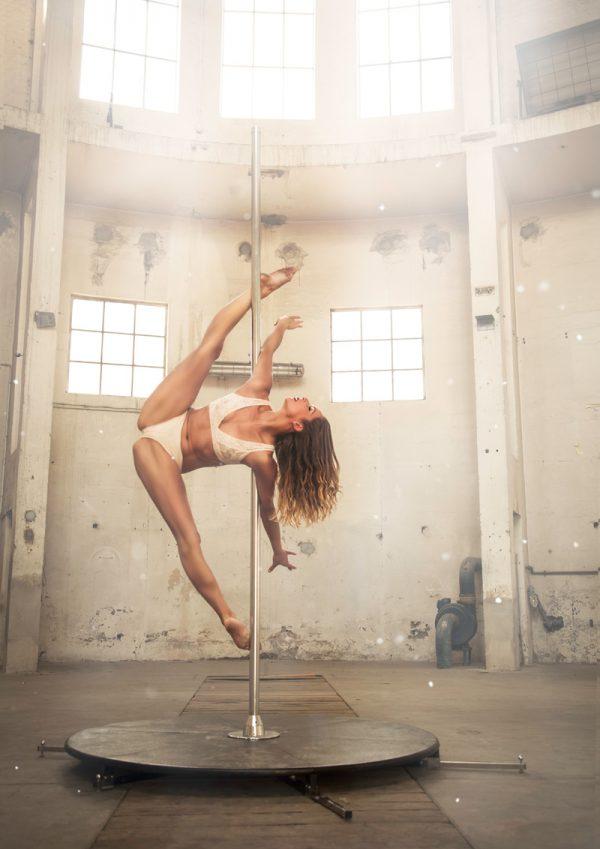 POLEDANCE AERIAL DANCE - Wandkalender 2018 (hoch) - LATE NIGHT TALES Photography Christina Bulka Fotograf / Fotografie