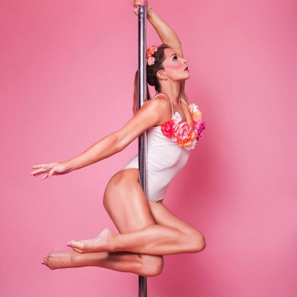 poledance-photoshooting-indoor-poleroom-produkt